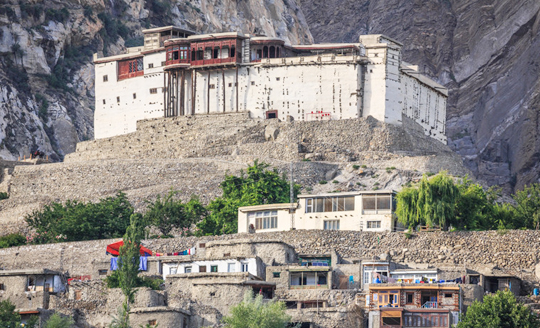 hunza valley tour baltit fort hunza