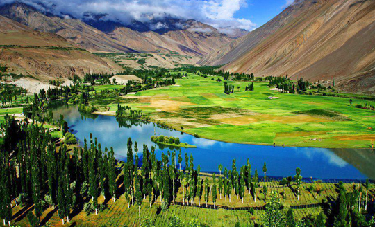 phandar lake ghizer tour